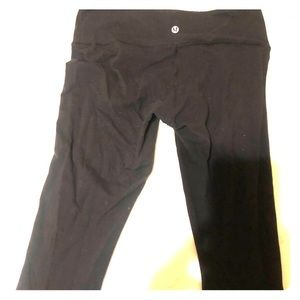 Lululemon Wunder Under cropped leggings size 8